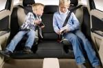"""El fiscal podrá retirar la tutela a padres si no llevan """"sillita"""" en el coche"""